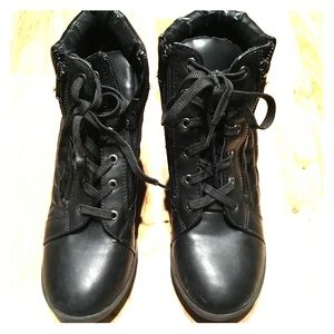 Madden Girl ankle wedged boot *offers welcome*